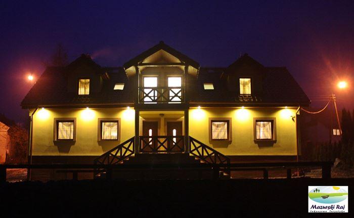Dom jest iluminowany